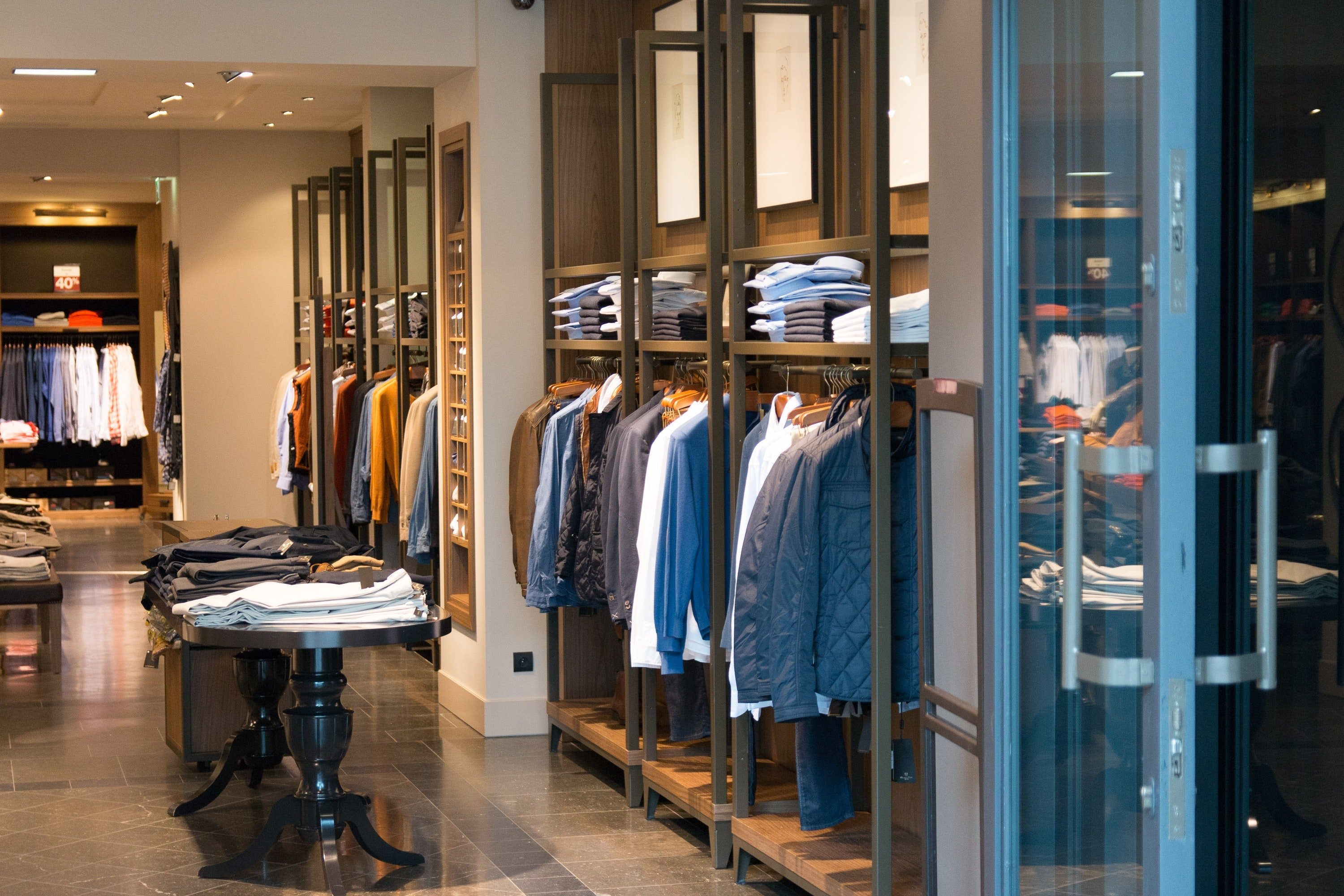 THE ULTIMATE GUIDE TO RETAIL MERCHANDISING