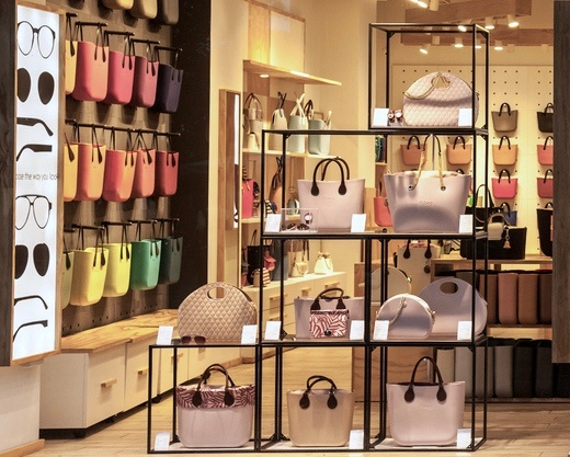 retail execution technology enables minimalistic displays